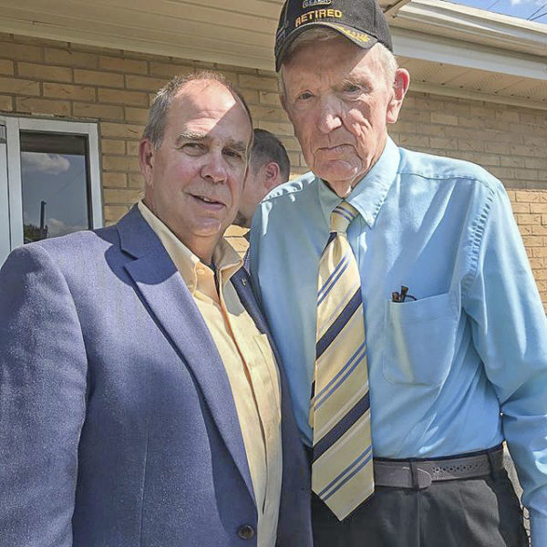 photo of MHU VP Bud Christman with trustee Max Burgin