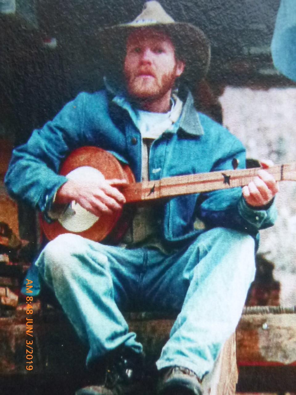 Jake Owen, with banjo